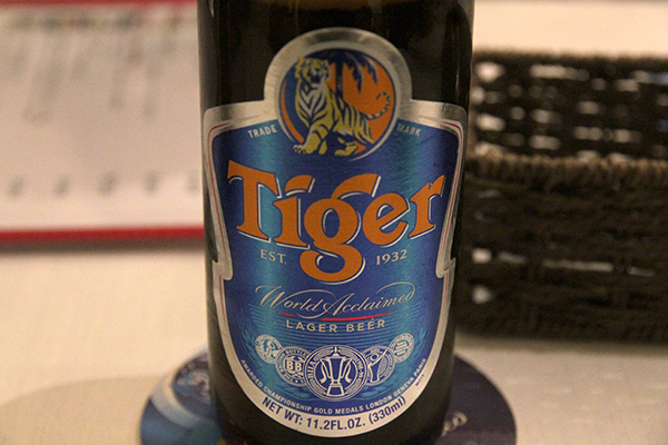 Mr.Chicken 鶏飯店 Tiger Beer